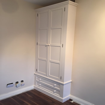 Shaker Style built-In