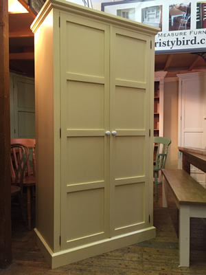 made to measure Wardrobe Fitted into Alcove
