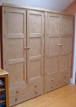 Wardrobe made to measure
